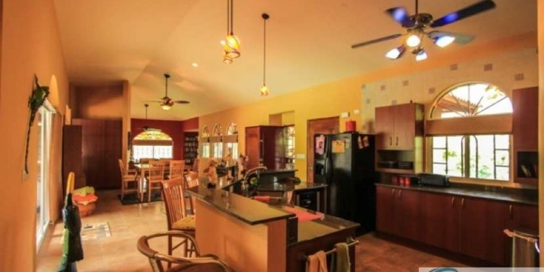 Coronado-Golf-House-For-Sale-Panama24