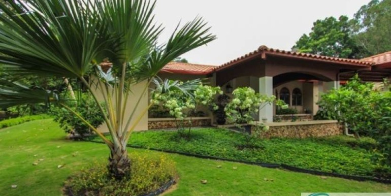 Coronado-Golf-House-For-Sale-Panama84