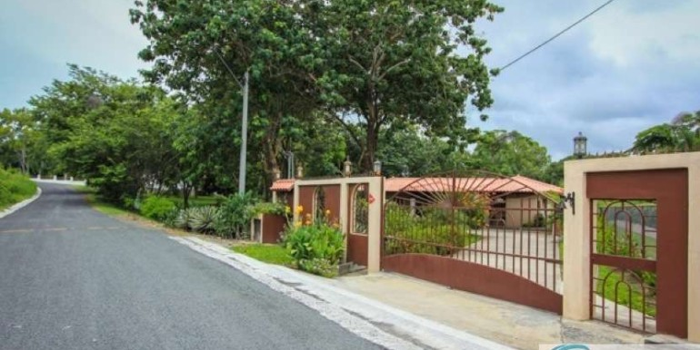 Coronado-Golf-House-For-Sale-Panama98
