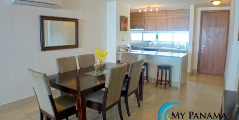 For-Sale-Panama-Bahia-Condo-for-dining to kit