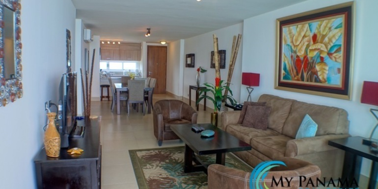 For-Sale-Panama-Bahia-Condo-for-sale-living to dining