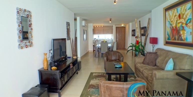 For-Sale-Panama-Bahia-Condo-for-sale-living to dining2