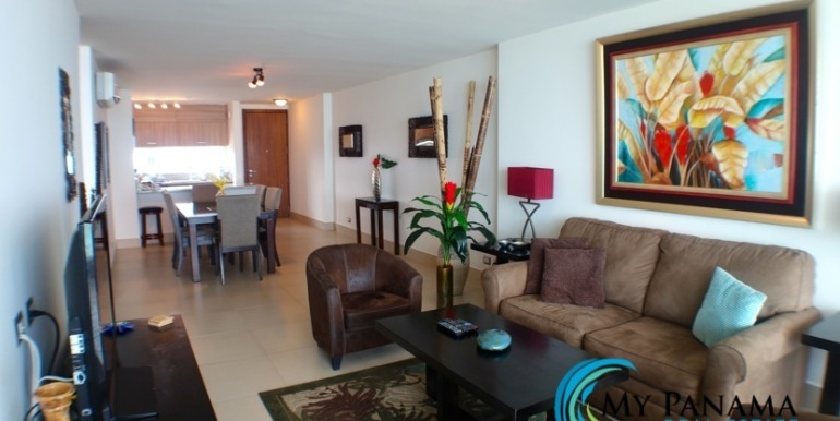 For-Sale-Panama-Bahia-Condo-for-sale-living to kitchen