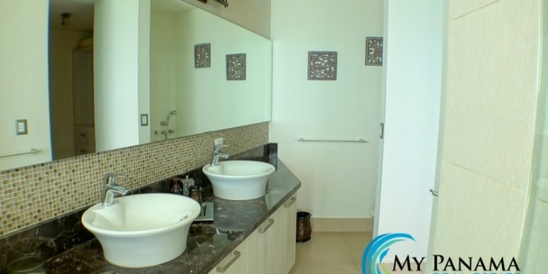 For-Sale-Panama-Bahia-Condo-for-sale-master bath