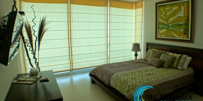 For-Sale-Panama-Bahia-Condo-for-sale-master-naptime