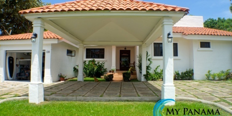 Coronado Panama Golf Course Home For Sale Front of house