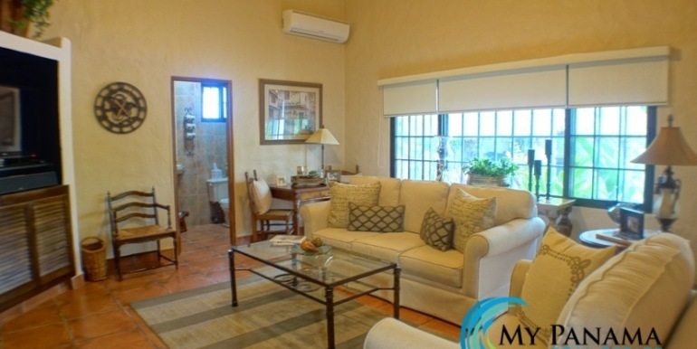 Coronado Panama Golf Course Home For Sale Living Area