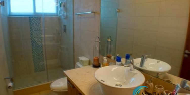 Bahia-Condo-for-sale-Gorgona-Panama-guest-bath