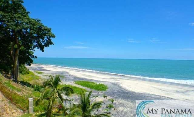 Bahia-Gorgona-Panama-Condo-for-sale-beach-left