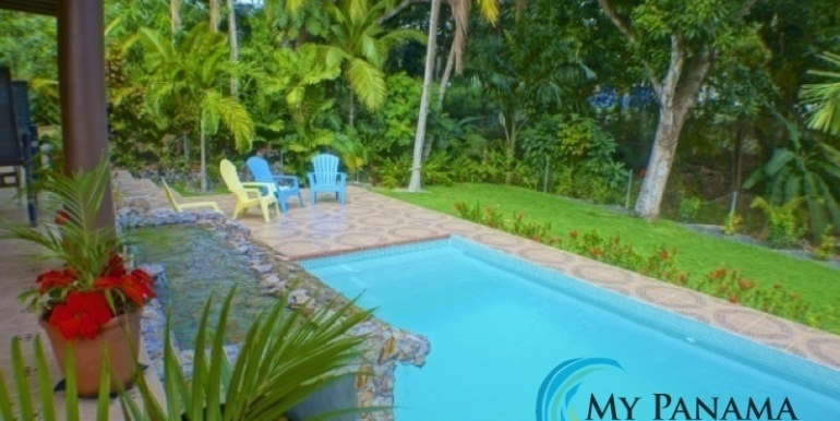 Coronado-Panama-House-for-sale-Backyard