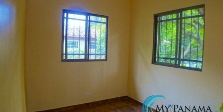 Coronado-Panama-House-for-sale-Den