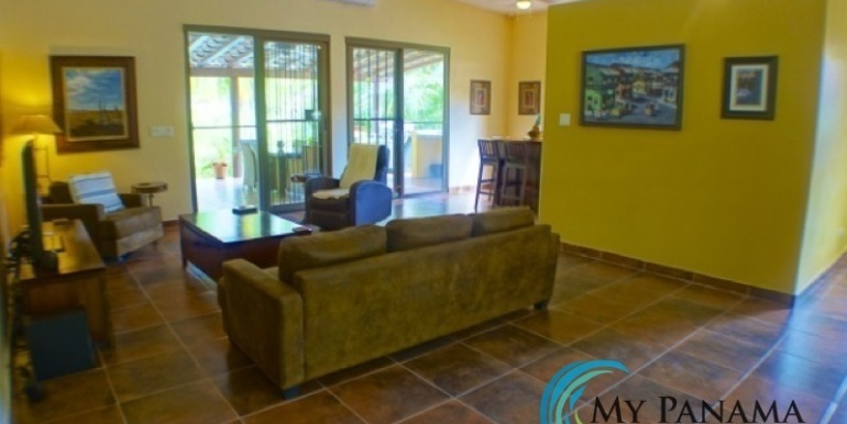 Coronado-Panama-House-for-sale-Family Room
