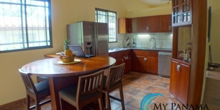 Coronado-Panama-House-for-sale-Kitchen
