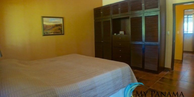 Coronado-Panama-House-for-sale-Master Bedroom