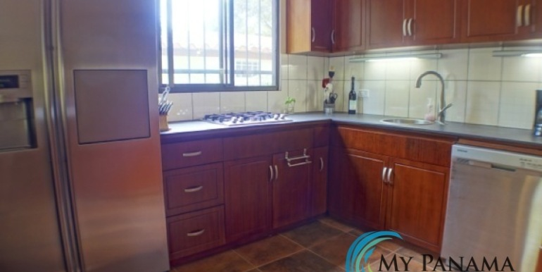 Coronado-Panama-House-for-sale-Modern Kitchen