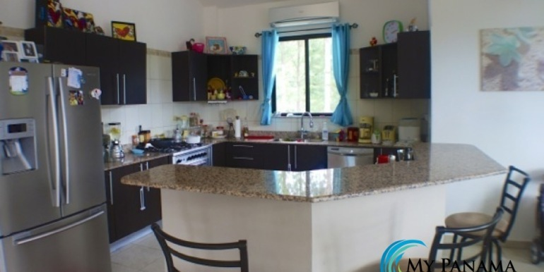 For-Sale-Altos-Panama-Kitchen