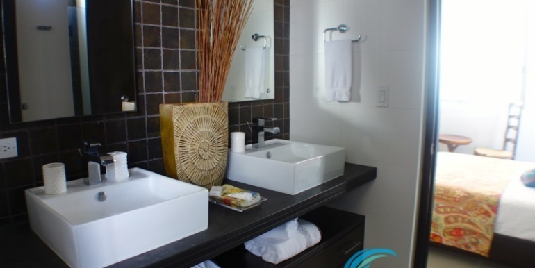 For-Sale-Condo-RioMar-Panama-Bath2