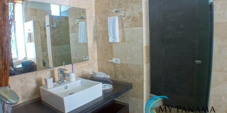 For-Sale-Condo-RioMar-Panama-MasterBath