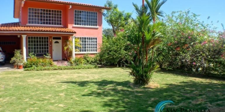 For-Sale-Coronado-House-Front of Home