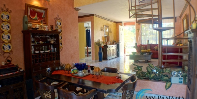 For-Sale-Coronado-House-Living Dining