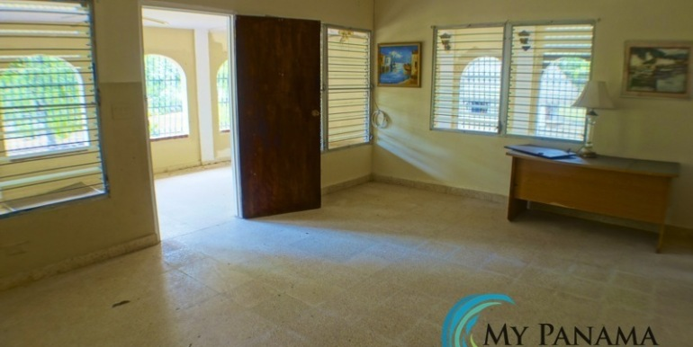 For-Sale-Coronado-Near-Beach-Main Living