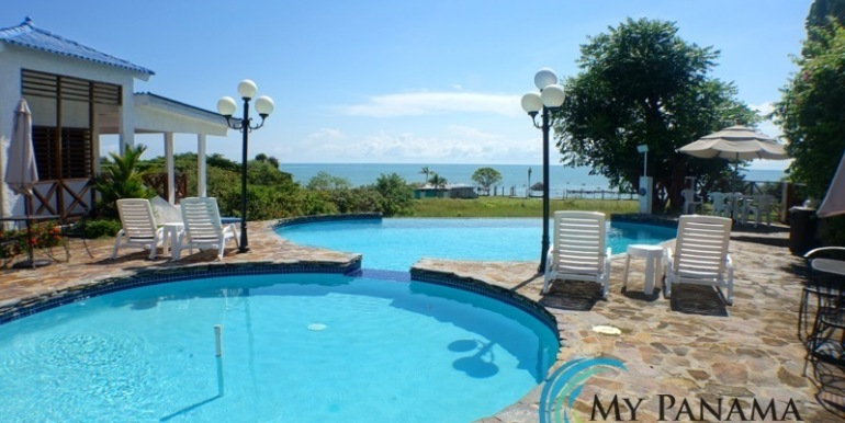 For-Sale-Gorgona-Costa-Grande-Pool-With-A-View