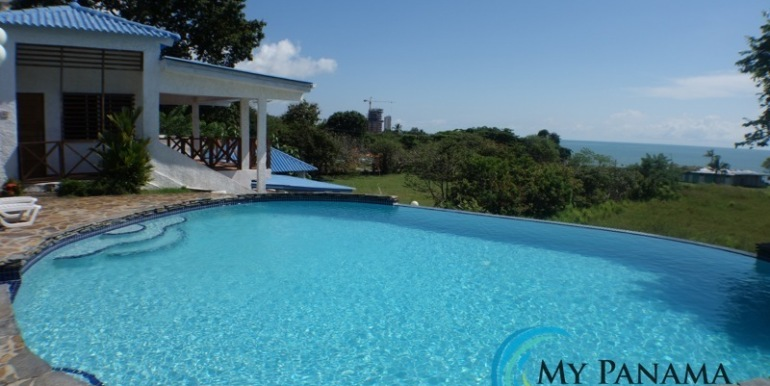 For-Sale-Gorgona-Costa-Grande-Swimming-Pool