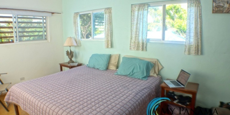 For-Sale-Gorgona-Costa-Grande-Upstairs-bedroom