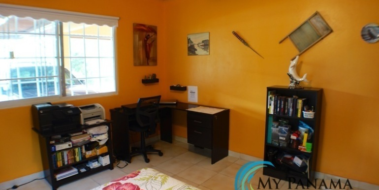 ForSale-TheCatDenTeam-MPRE-Cabuya-house-bedroom3