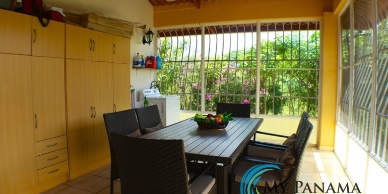 ForSale-TheCatDenTeam-MPRE-Cabuya-house-outdoor-dining2