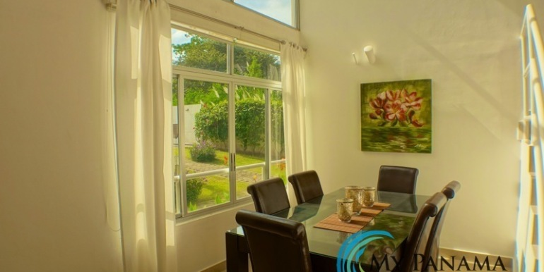For-Sale-Gorgona-Condo-Brisas-de-Malibu-MPRE-Bright-Diningroom