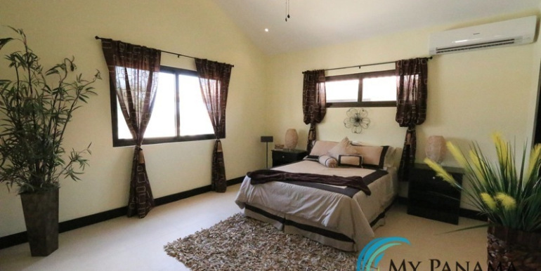Home-For-Sale-Panama-Azura-Bedroom
