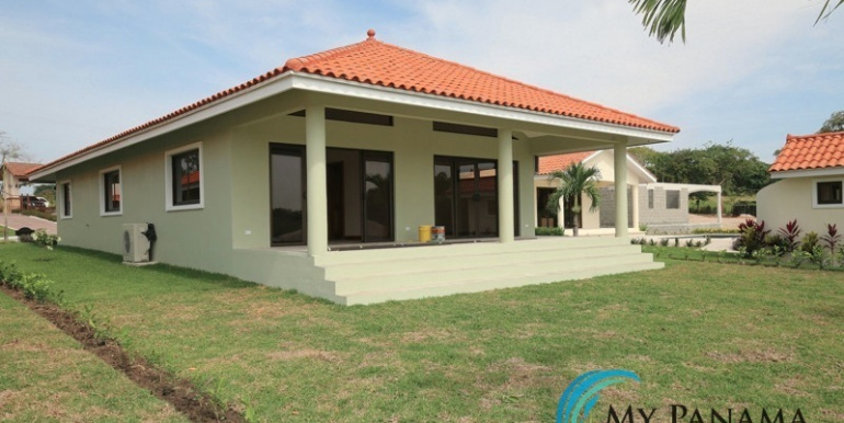 Home-For-Sale-Panama-Azura-Rear-Home