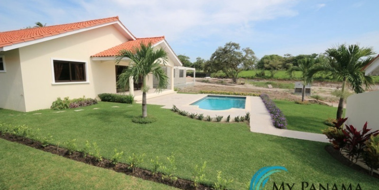 Home-For-Sale-Panama-Azura-property-view