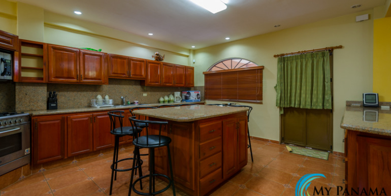 Coronado-House-For-Sale-MPRE-Kitchen2