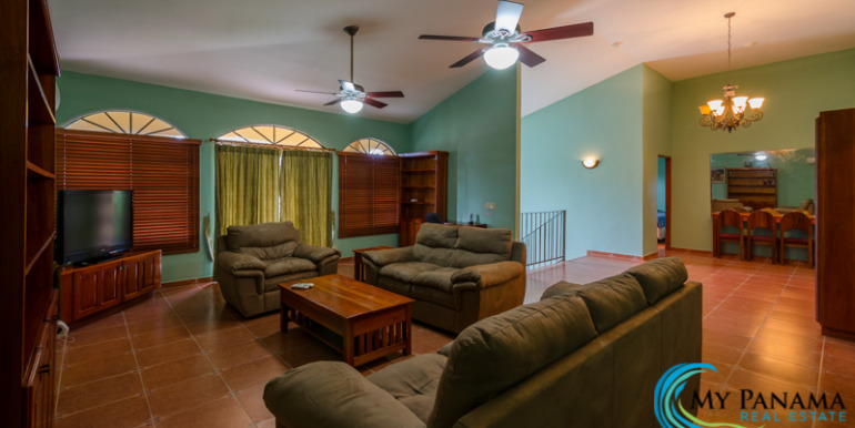Coronado-House-For-Sale-MPRE-Livingroom2