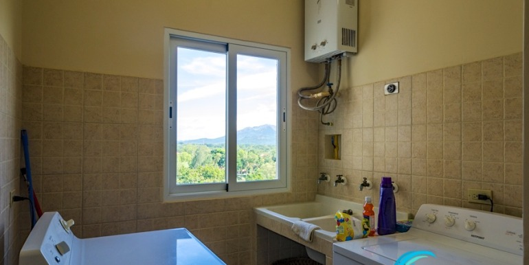 For-Sale-El-Alcazar-Coronado-Panama-MPRE-Laundry