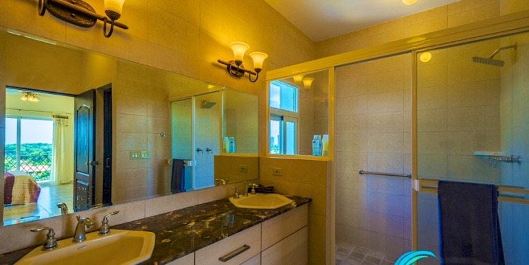 For-Sale-El-Alcazar-Coronado-Panama-MPRE-Master-Bathroom