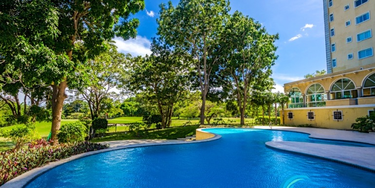 For-Sale-El-Alcazar-Coronado-Panama-MPRE-Pool2