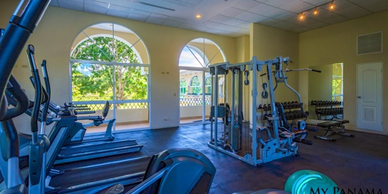 For-Sale-El-Alcazar-Coronado-Panama-MPRE-gym2