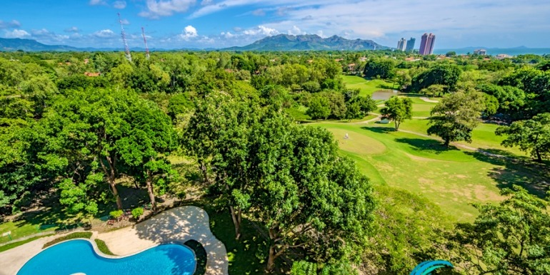 For-Sale-El-Alcazar-Coronado-Panama-MPRE-pool-view