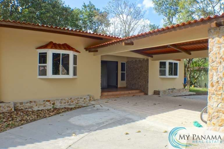 Live Bigger and Better in This New El Valle House