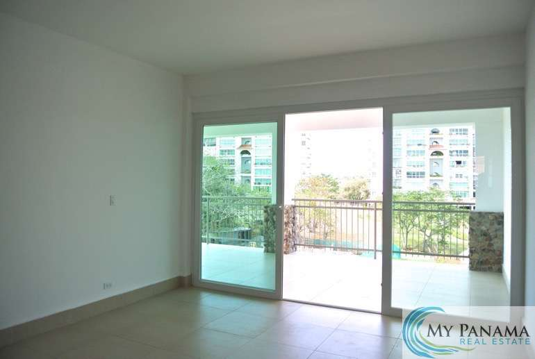 Three-Bedroom Condo in Punta Barco: Start Your Panama Adventure Here!