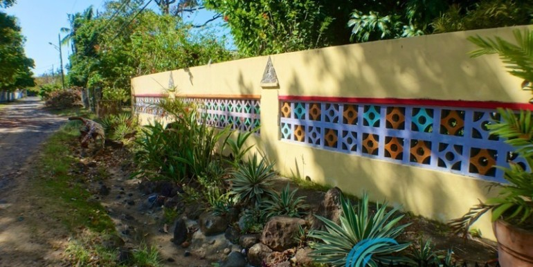 For-Sale-Coronado-House-fence