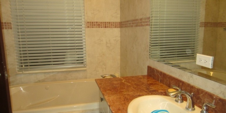 For-Sale-Coronado-MPRE-Bathroom2