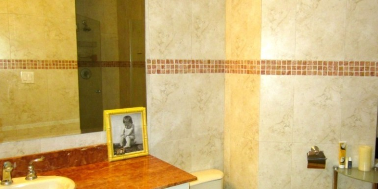 For-Sale-Coronado-MPRE-bathroom