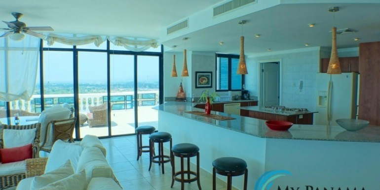 oceanfront penthouse 6