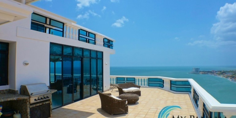 oceanfront penthouse 12