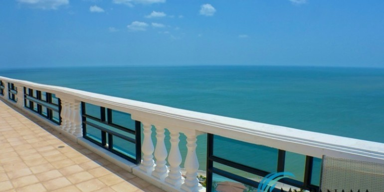 oceanfront penthouse 15