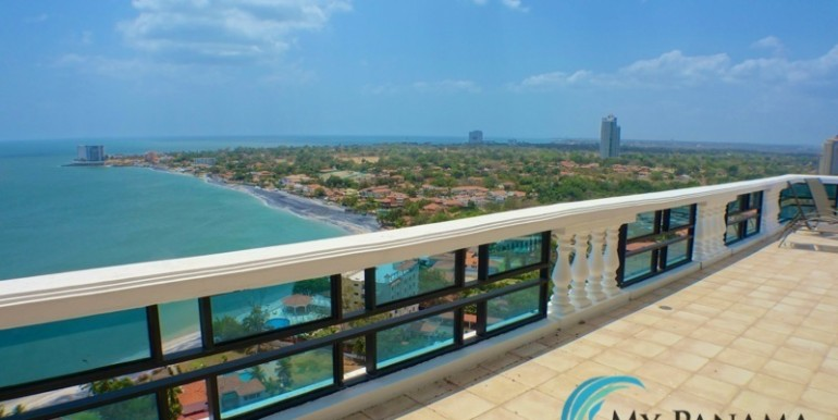 oceanfront penthouse 16